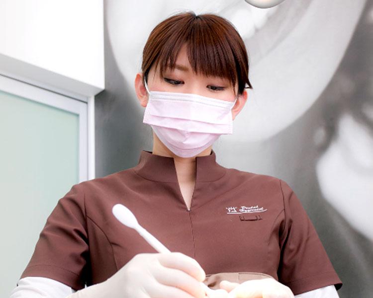 専任衛生士のアフターケアで術後のトラブルを防ぎます。